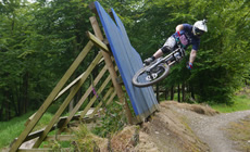 UK Bikepark - fun downhills & scary uplifts - 2012 June - Mountain Biking